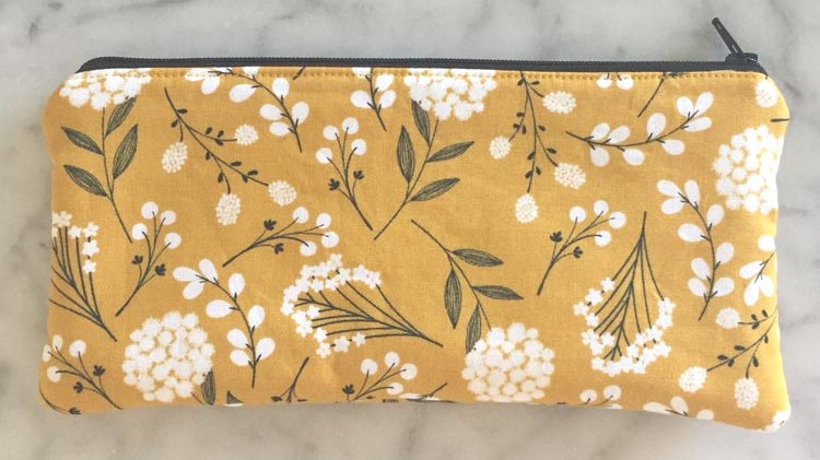 Sewing 101: Zippered Bag